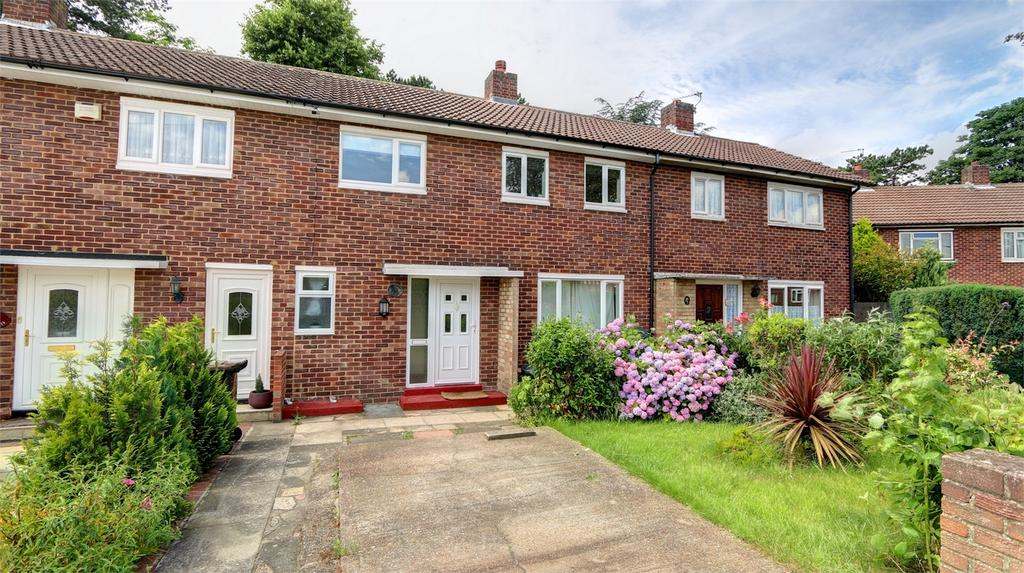 3 Bedrooms Terraced House for sale in Fairmead, Bickley, Kent
