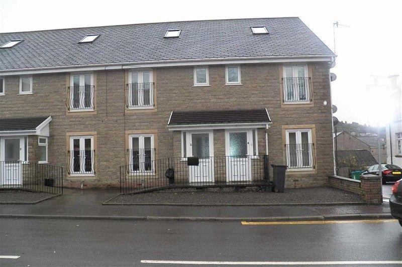 1 Bedroom Ground Flat for rent in Brecon Road, Pontardawe, Swansea, City County of Swansea.
