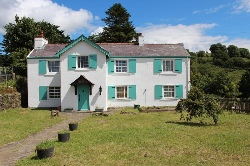 5 Bedrooms Detached House for sale in Farmhouse, Felindre, Swansea.