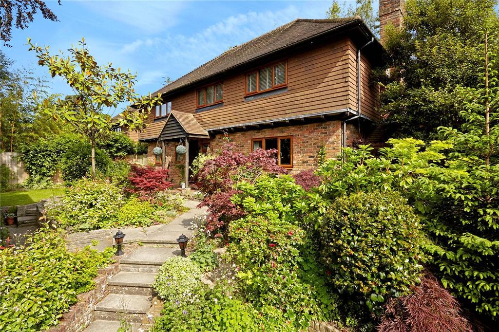 4 Bedrooms Detached House for sale in Glenmore Park, Tunbridge Wells, Kent, TN2