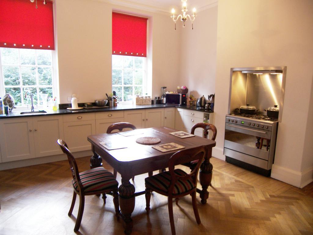 3 Bedrooms Apartment Flat for rent in Gledhow Manor, 350 Gledhow Lane, Chapel Allerton, Leeds
