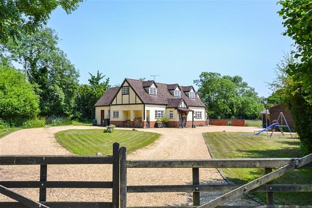 4 Bedrooms Detached House for sale in Braughing Friars, Braughing