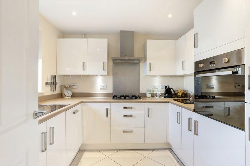 3 Bedrooms Terraced House for sale in Field View Road, Congleton