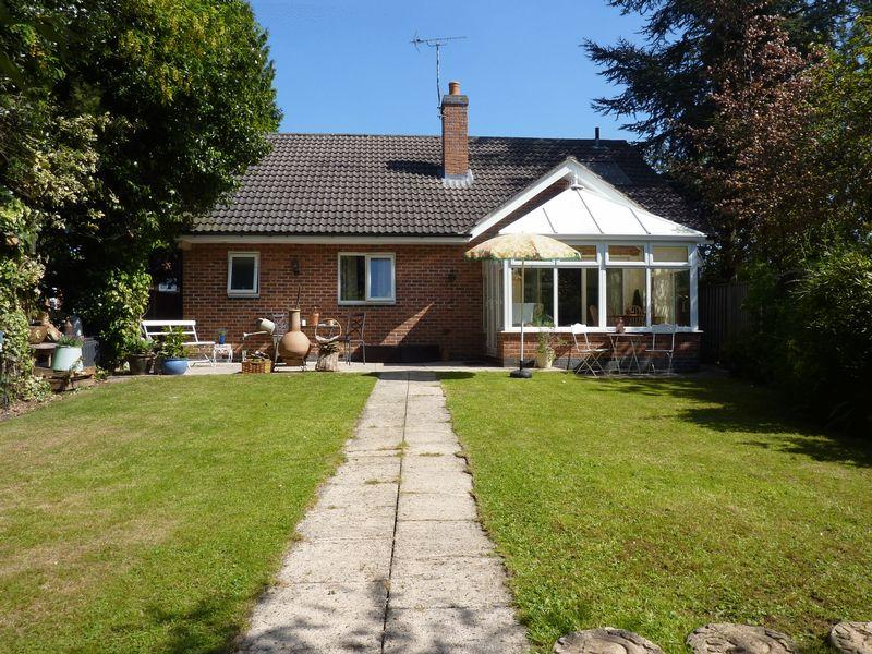 3 Bedrooms Detached House for sale in Central Avenue, Borrowash, Derby