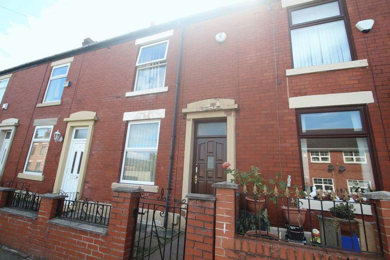 2 Bedrooms Terraced House for sale in St. Martins Street, Castleton OL11 2TB