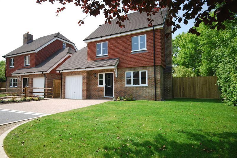 4 Bedrooms Detached House for sale in The Willows, Rusthall, Tunbridge Wells