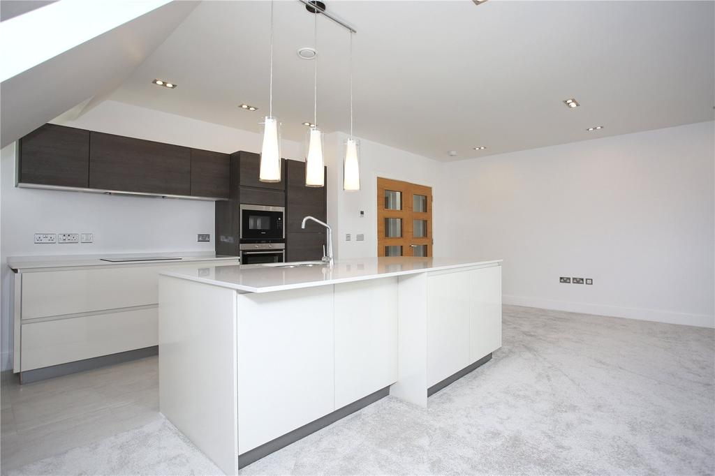 3 Bedrooms Penthouse Flat for sale in Sandridge, 8 Durley Chine Road, Bournemouth, BH2