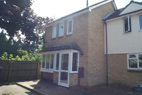 3 bedroom semi-detached house to rent - Gloucester Crescent, Gloucester Crescent