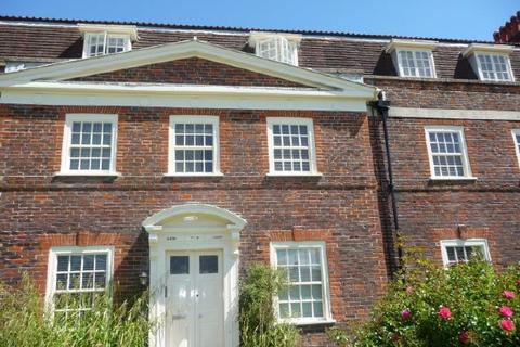 3 bedroom flat to rent - GLEBE COURT - HIGHFIELD - UNFURN
