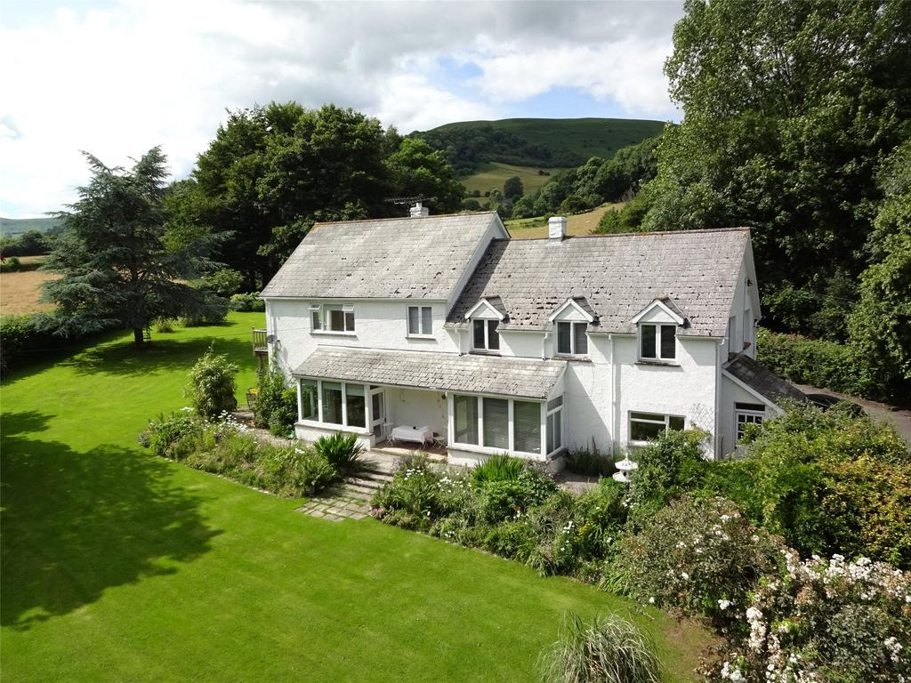 5 Bedrooms Detached House for sale in Llanbedr, Crickhowell, Powys