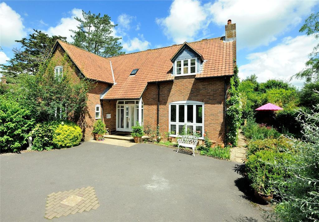 4 Bedrooms Detached House for sale in Priestlands, Sherborne, Dorset