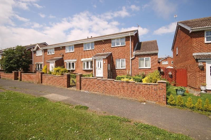 3 Bedrooms Semi Detached House for sale in Woodstock Way, Clavering Hartlepool
