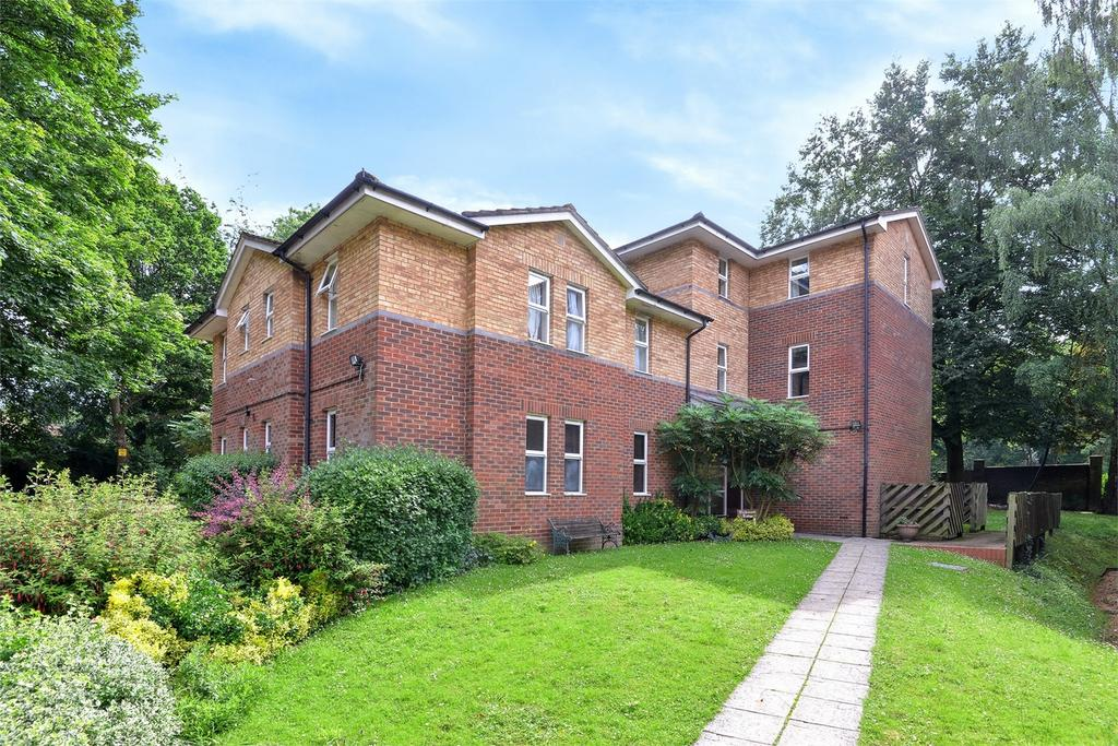 2 Bedrooms Flat for sale in Otterbourne, Winchester, Hampshire