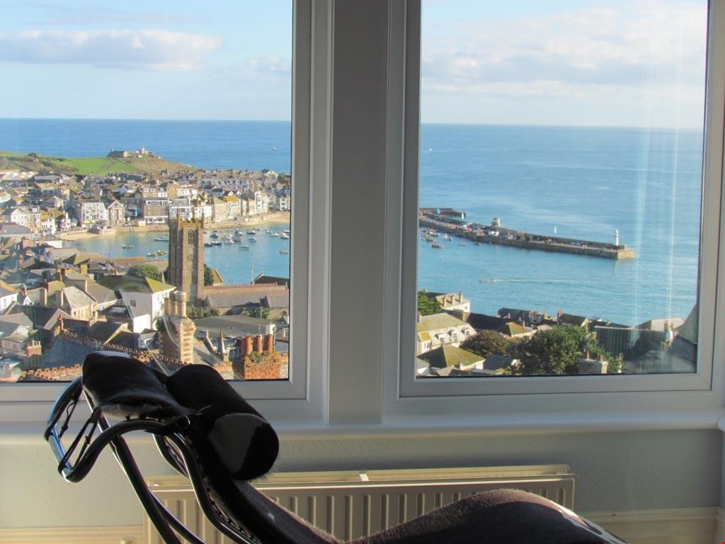 4 Bedrooms Detached House for sale in St Ives, West Cornwall, TR26