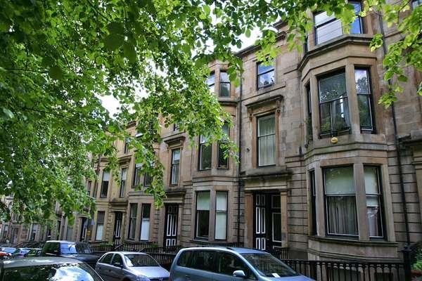 2 Bedrooms Flat for sale in Flat Basement/1, 4A, Bowmont Terrace, Glasgow, G12 9LP