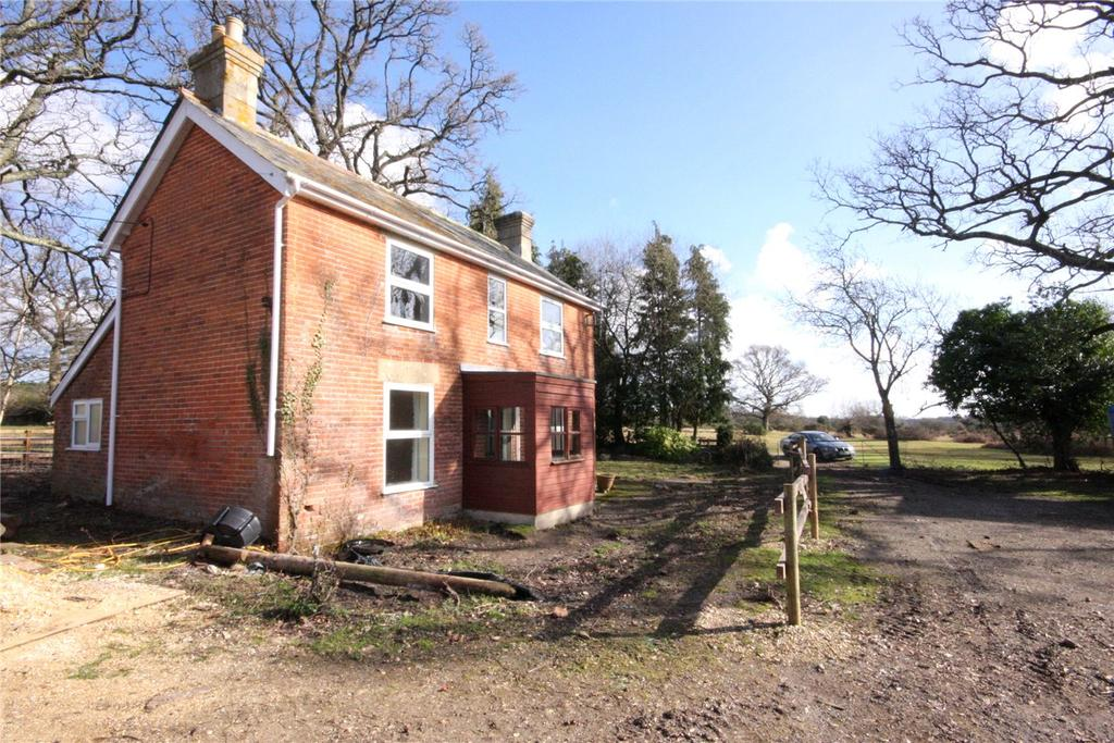 2 Bedrooms Detached House for sale in Mill Lane, Burley, Hampshire, BH24