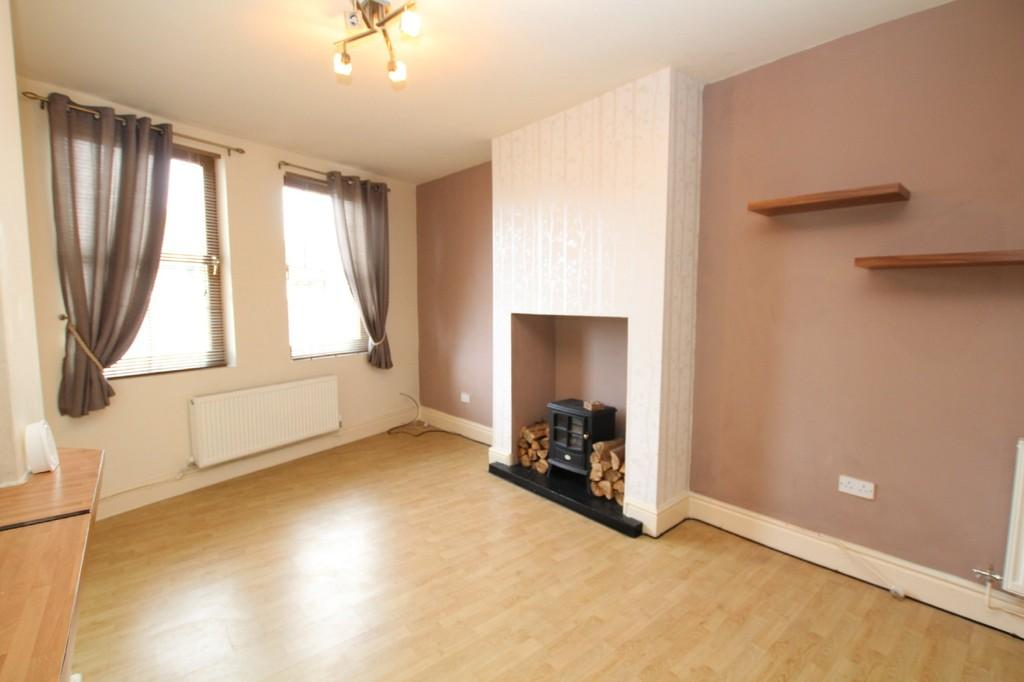 2 Bedrooms Semi Detached House for sale in 198 Abbey Road, Barrow-In-Furness