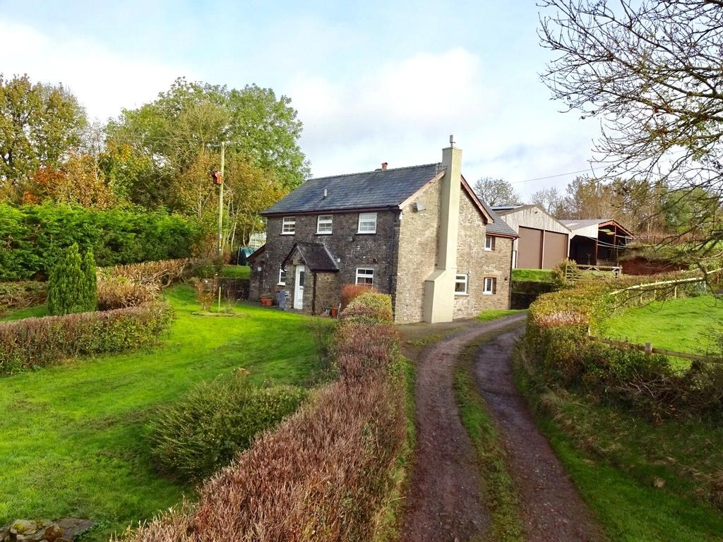 4 Bedrooms Detached House for sale in Garthbrengy, Brecon, Powys