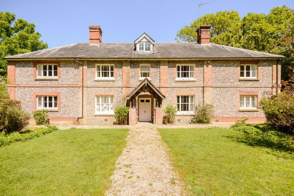 7 Bedrooms Detached House for sale in Redlynch, Salisbury