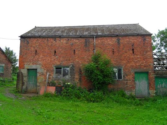 3 Bedrooms Barn Conversion Character Property for sale in Fall Head Farm, Fall Head Lane, Silkstone, Barnsley, S75 4LB