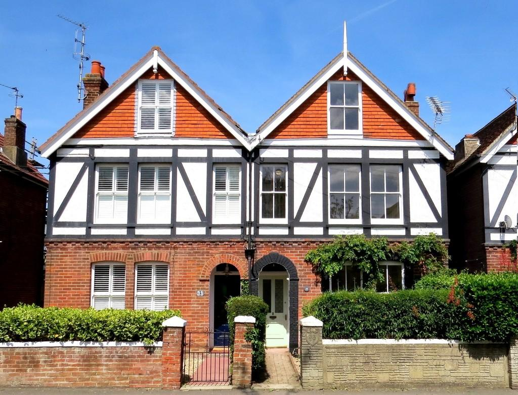 5 Bedrooms Semi Detached House for sale in Foreland Road, Bembridge