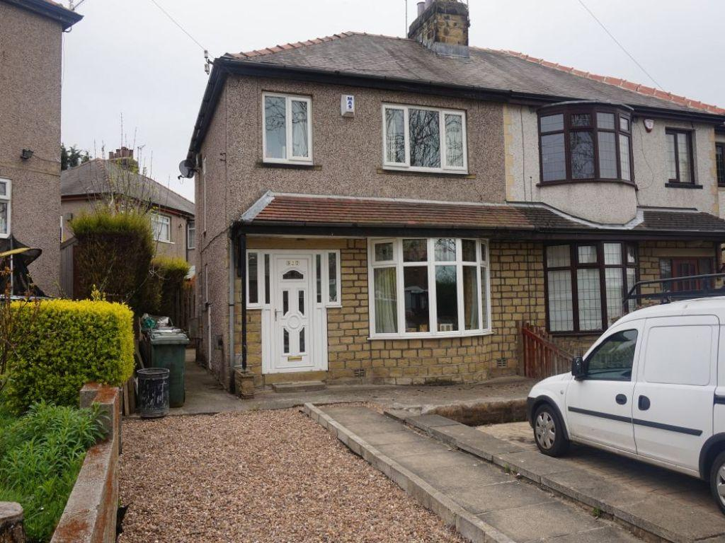 3 Bedrooms Semi Detached House for sale in Clayton Road, Bradford
