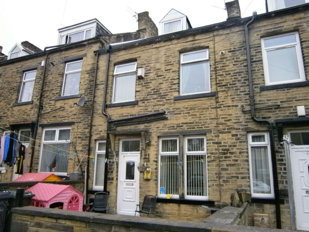 2 Bedrooms Terraced House for sale in Wellington Street, BRADFORD
