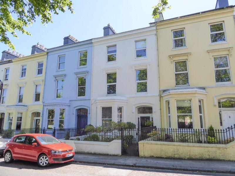 4 Bedrooms Terraced House for sale in 8 Woodburn Square, Douglas, IM1 4DB