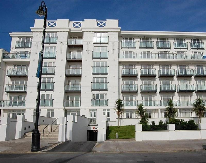 2 Bedrooms Apartment Flat for sale in 100 Spectrum Apartments, Central Promenade, Douglas, IM2 4JL