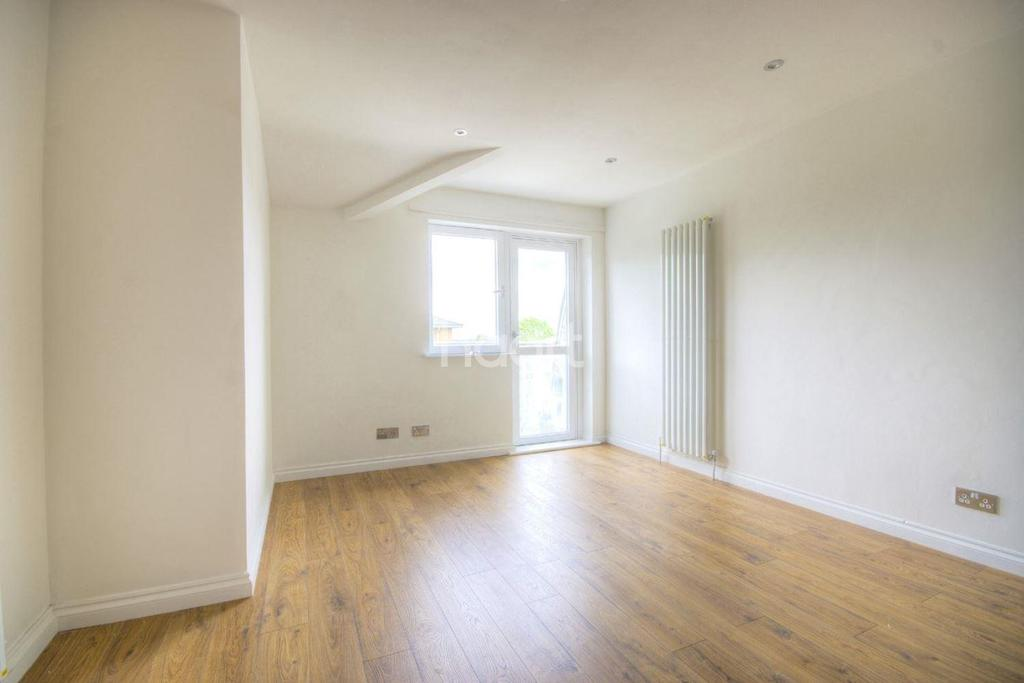 1 Bedroom Flat for sale in Carton House, Forbes Close, NW2