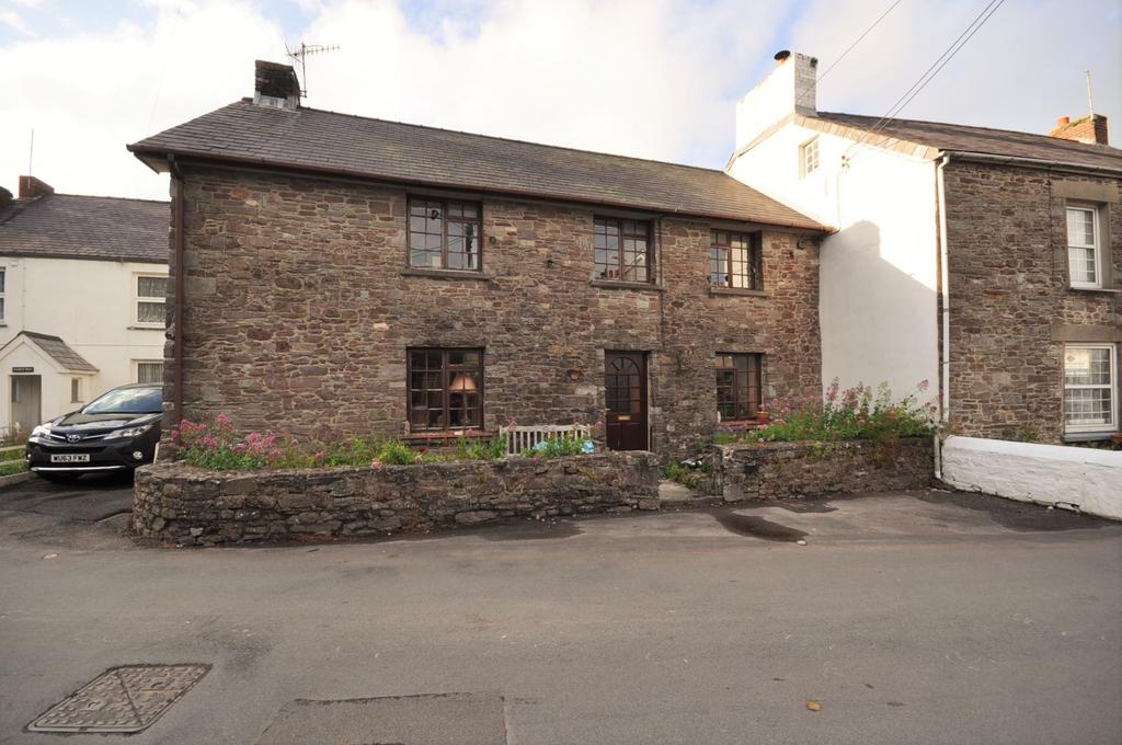 3 Bedrooms Semi Detached House for sale in 5 Water Street, Laugharne, Carmarthenshire SA33 4SR