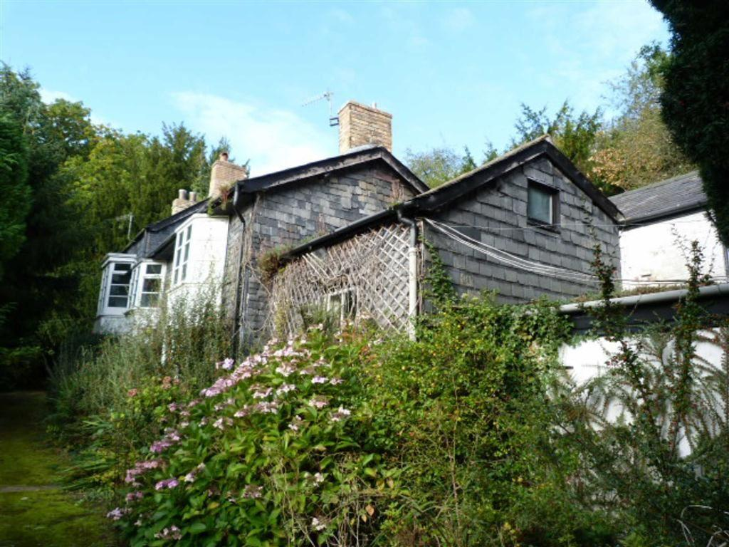 3 Bedrooms Detached House for sale in Lonesome Lane, Newtown