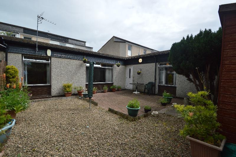 2 Bedrooms Bungalow for sale in Glenapp Place, Kilwinning, North Ayrshire, KA13 6TF
