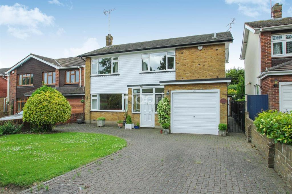 3 Bedrooms Detached House for sale in Southchurch Boulevard, Thorpe Bay
