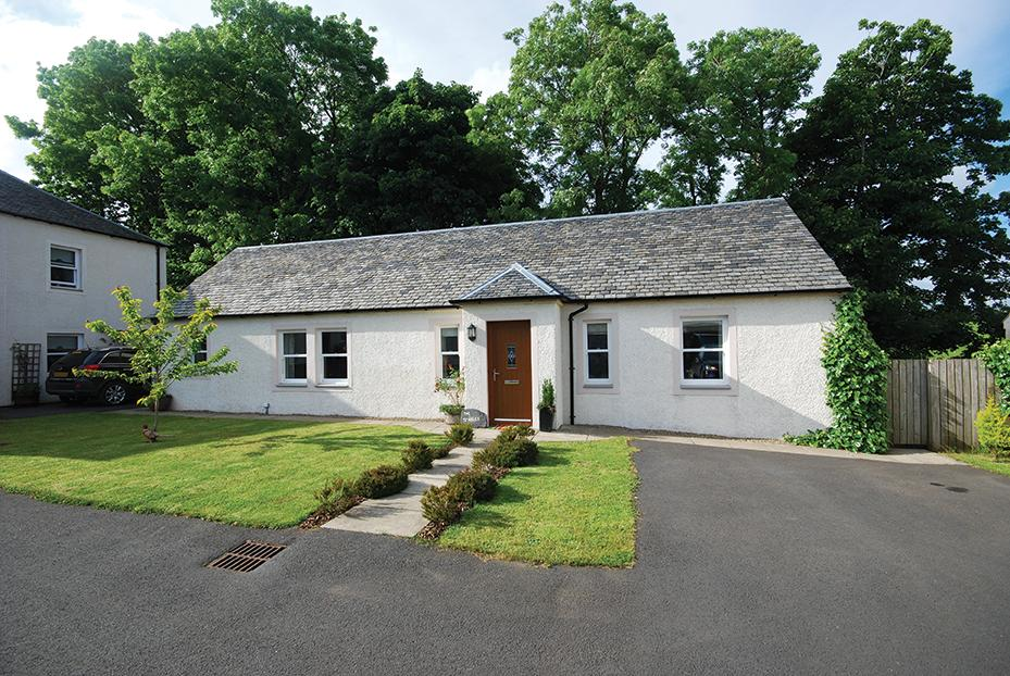 2 Bedrooms Cottage House for sale in The Stables 2 Beoch Farm, Carrick Hills, KA19 8EN