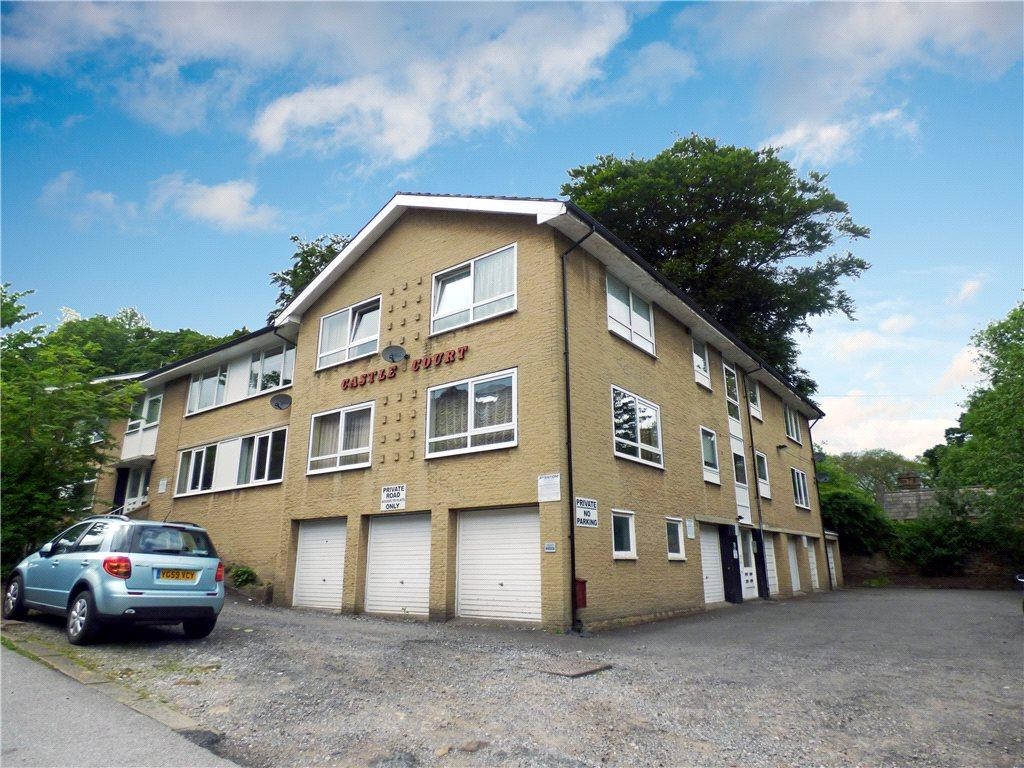 2 Bedrooms Apartment Flat for sale in Castle Court, Castle Road, Keighley, West Yorkshire