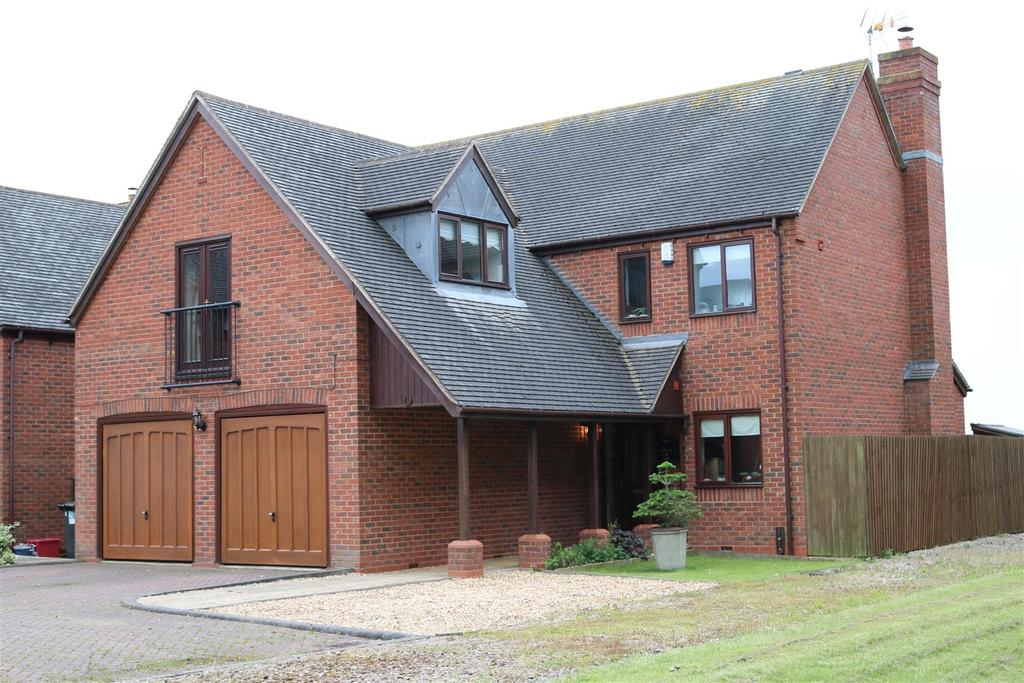 4 Bedrooms Detached House for sale in Ferndale Close, Hurley, Atherstone