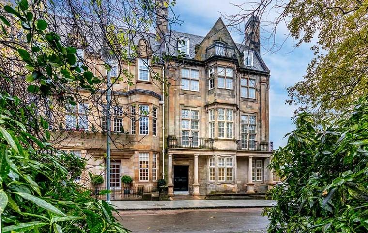 2 Bedrooms Apartment Flat for sale in Apartment 10 Kirklee Mansions, Lowther Terrace, Kelvinside, G12 0RN