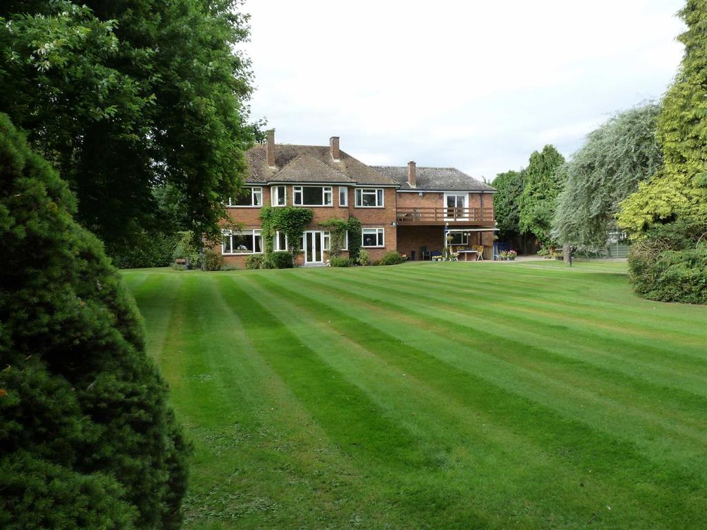 5 Bedrooms Detached House for sale in High Road, Whaplode