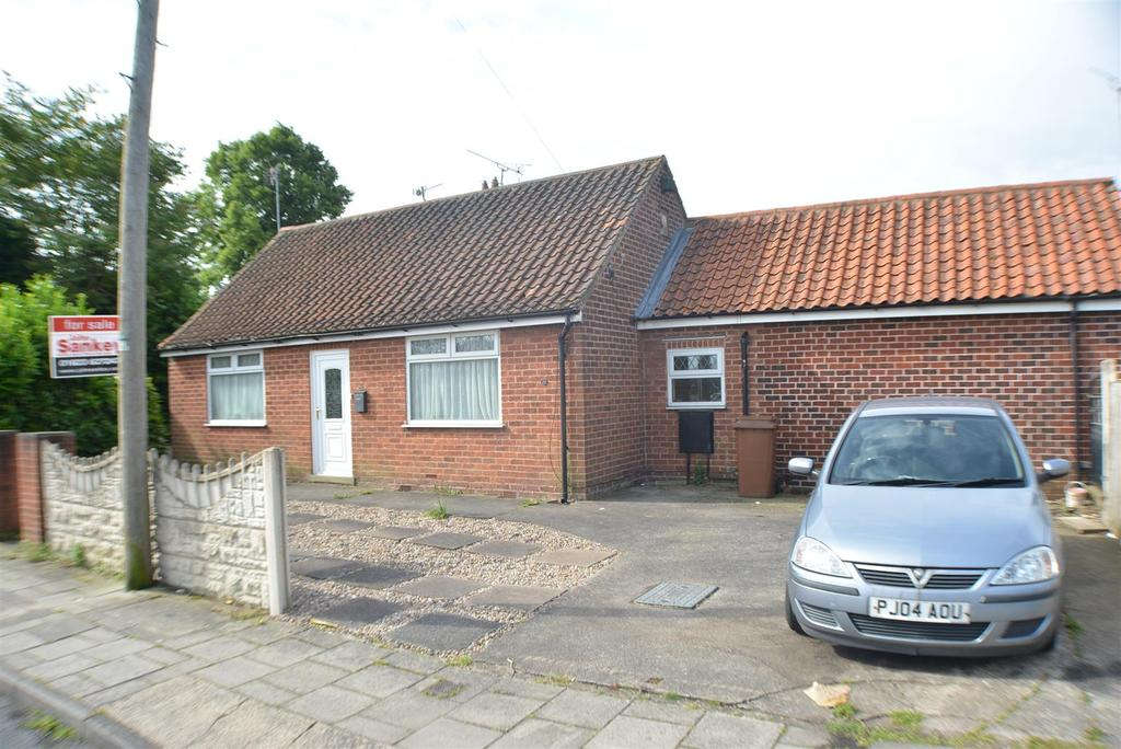 3 Bedrooms Detached Bungalow for sale in Warwick Drive, Mansfield