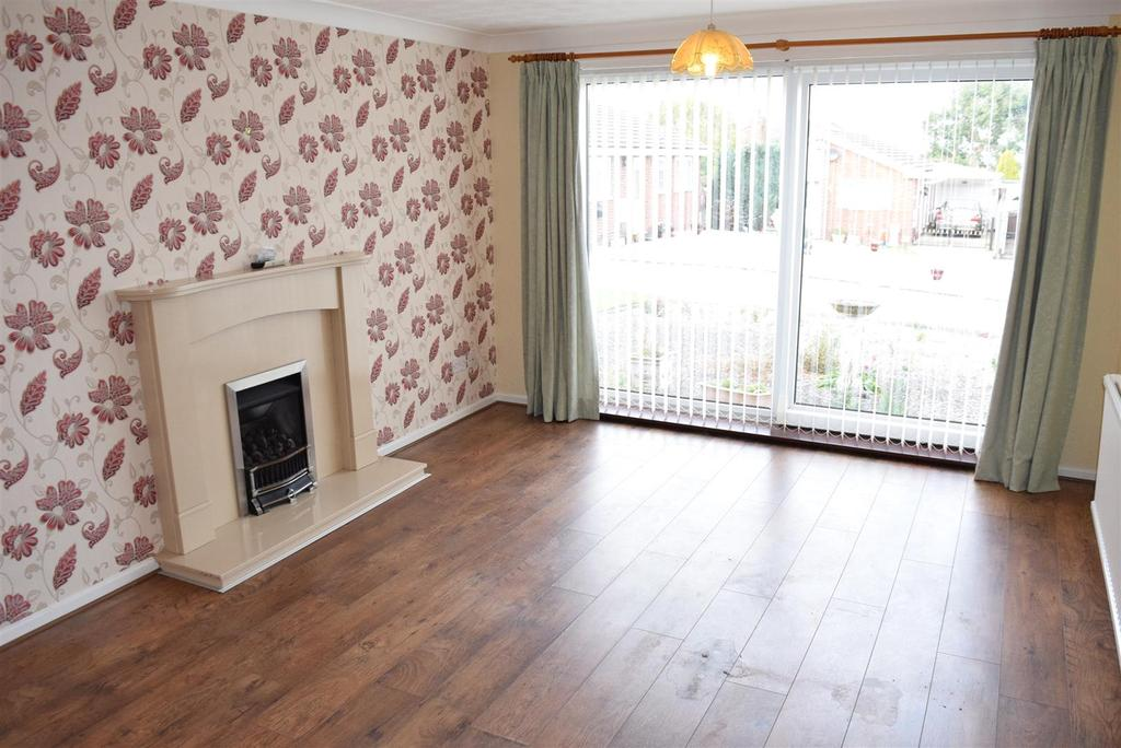2 Bedrooms Detached Bungalow for sale in Willow Avenue, Forest Town, Mansfield