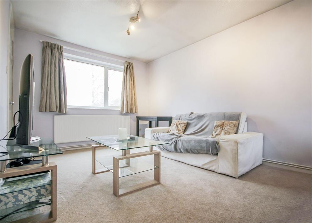 1 Bedroom Maisonette Flat for sale in Leaves Green, Crown Wood, Bracknell, Berkshire