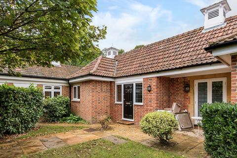 4 bedroom flat to rent - Windsor Forest Court, Mill Ride, Ascot, Berkshire, SL5
