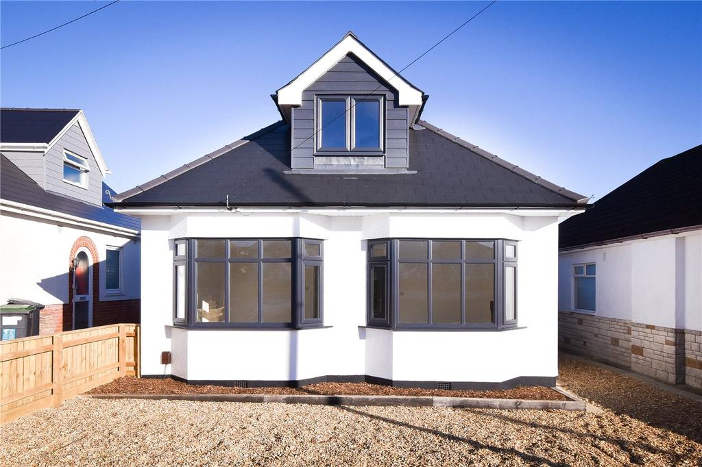 4 Bedrooms Detached Bungalow for sale in Persley Road, Bournemouth, Dorset, BH10