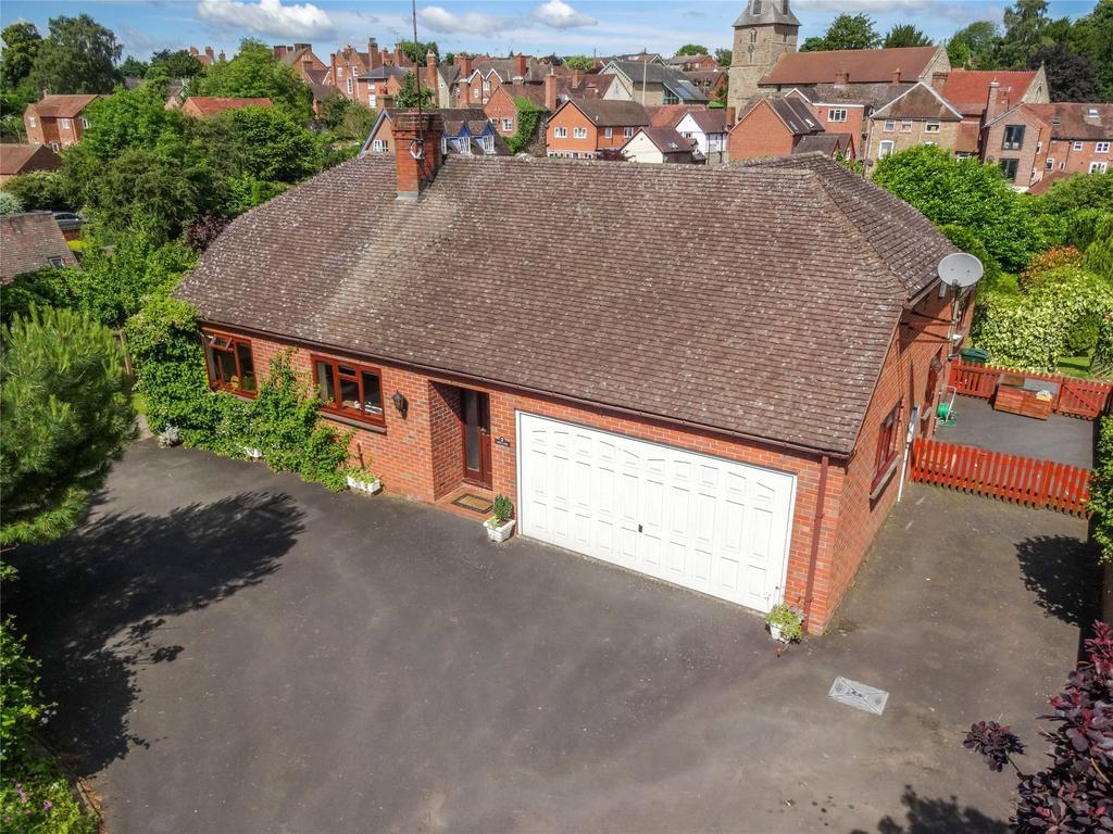 3 Bedrooms Detached Bungalow for sale in Lion Lane, Cleobury Mortimer, Kidderminster, Shropshire