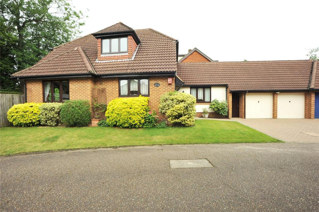 5 Bedrooms Detached House for sale in The Firs, Ongar Road, Pilgrims Hatch, Brentwood, CM15