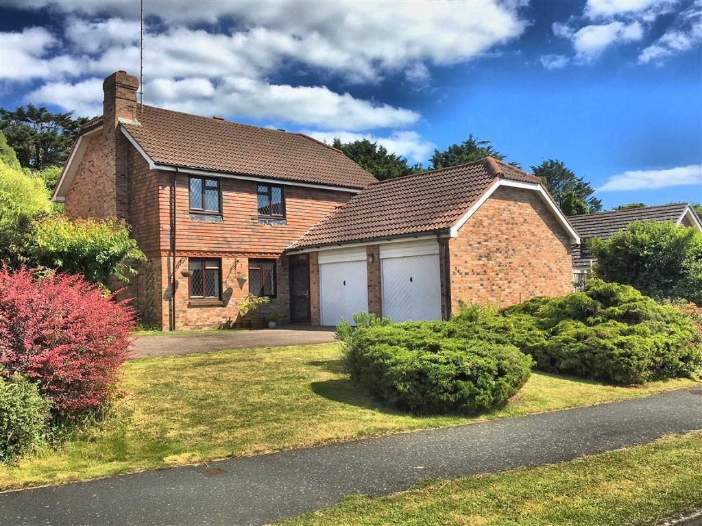 4 Bedrooms Detached House for sale in Princess Drive, Seaford, East Sussex