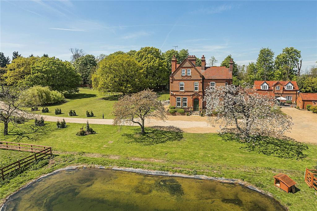 6 Bedrooms Detached House for sale in Coopersale Lane, Theydon Garnon, Epping, Essex, CM16