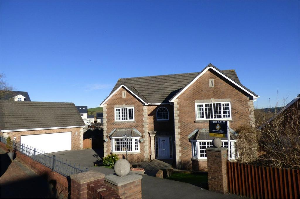 5 Bedrooms Detached House for sale in 26 Heol Hen, Five Roads, Carmarthenshire