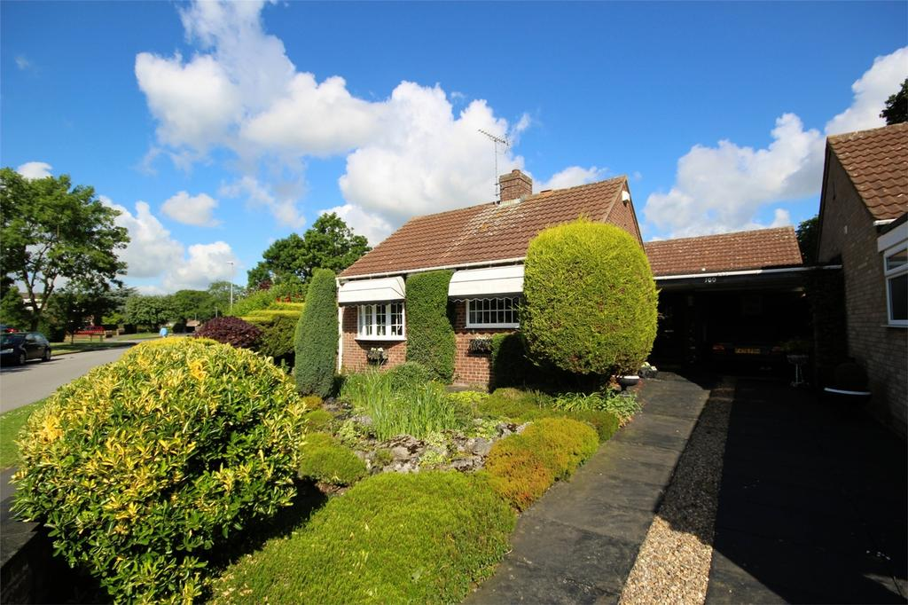 3 Bedrooms Detached Bungalow for sale in Copandale Road, Beverley, East Riding of Yorkshire